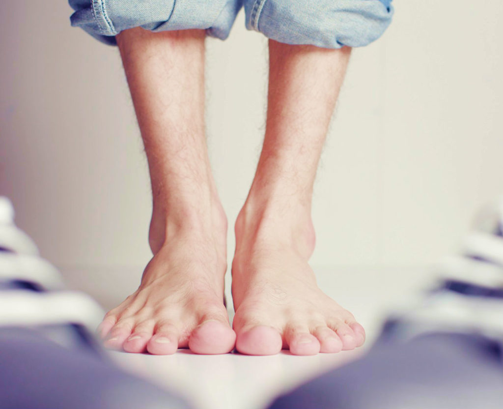 how to get rid of wide feet