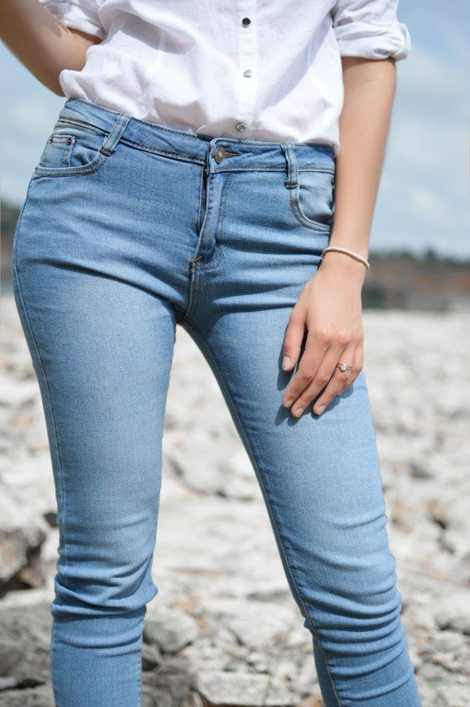 skinny jeans make your feet look bigger