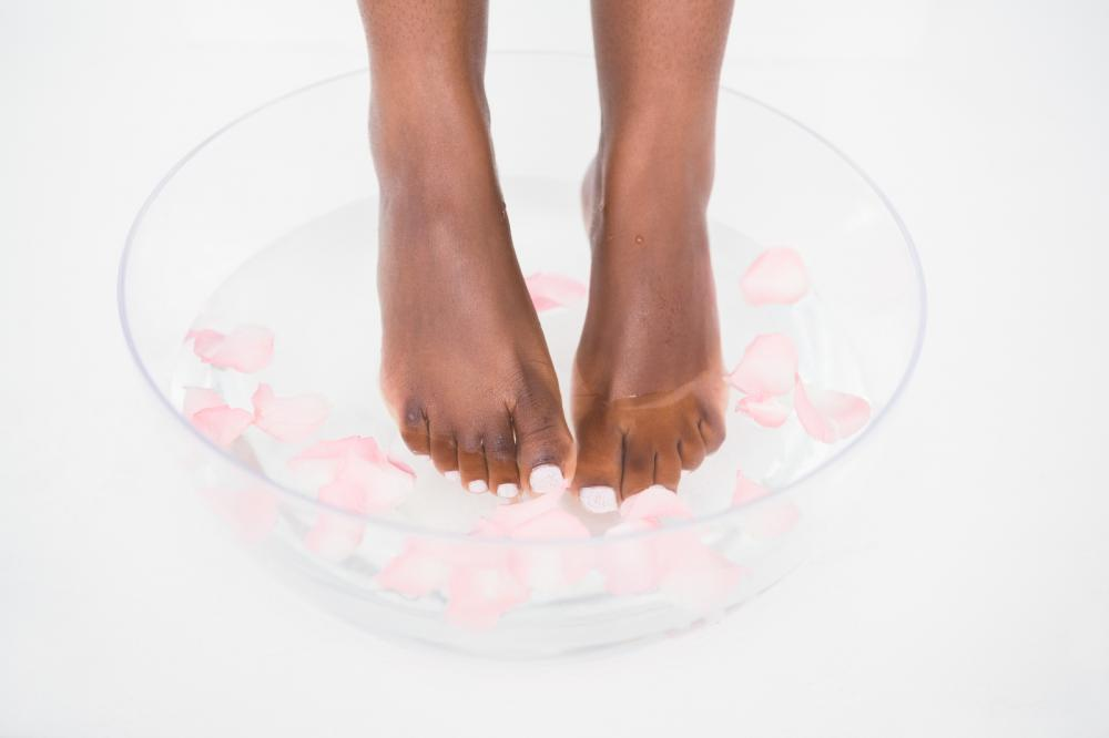 foot soak to make your toenails grow faster