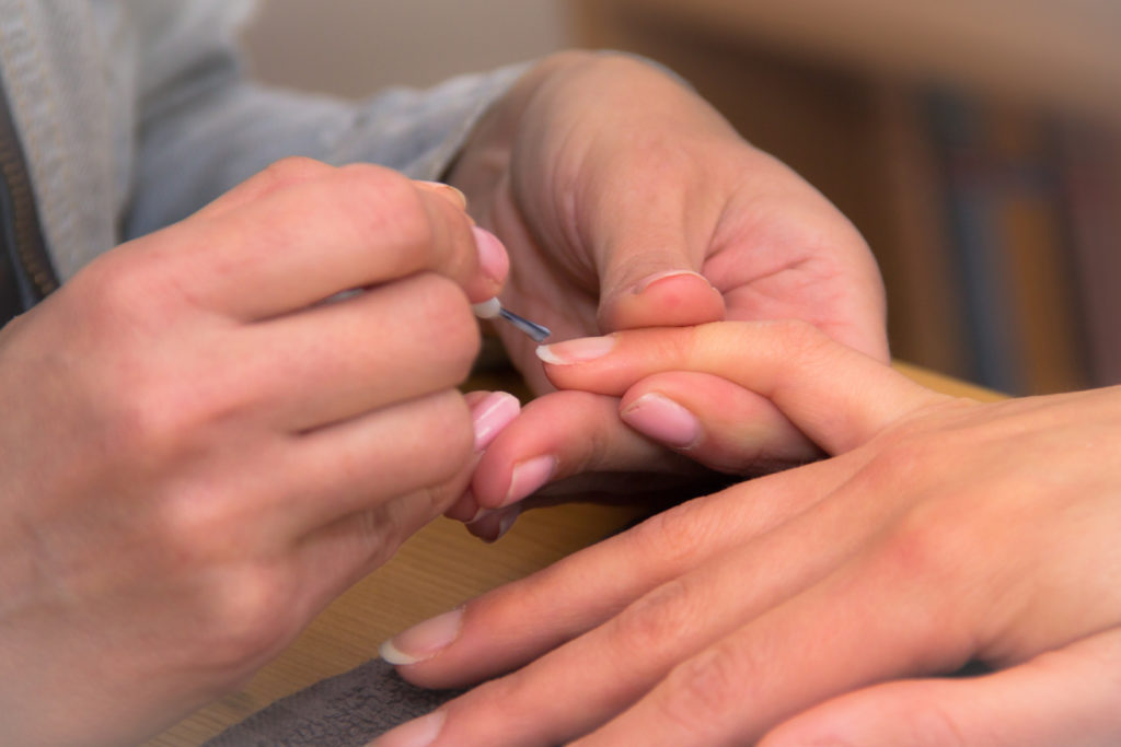 how to fix a vertical split nail