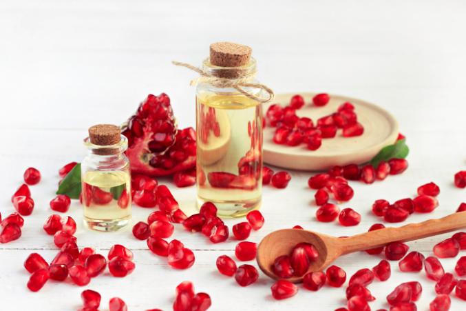 Pomegranate oil